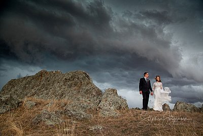 Wedding photograph with big skies at Whorouly by Stephen Jorgensen from All Saints Photography Albury.