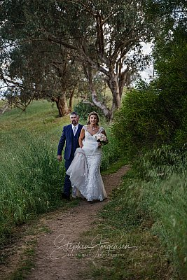 Albury-weddings-Bron-Joel-0052.jpg